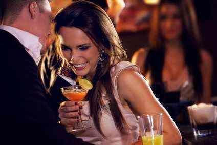 Flirt in einer Bar