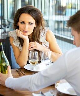 Sie hat auch ein Date mit ihrem Ex